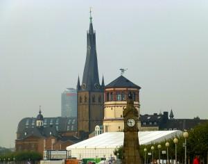 Der alte Schlossturm in Düsseldorf